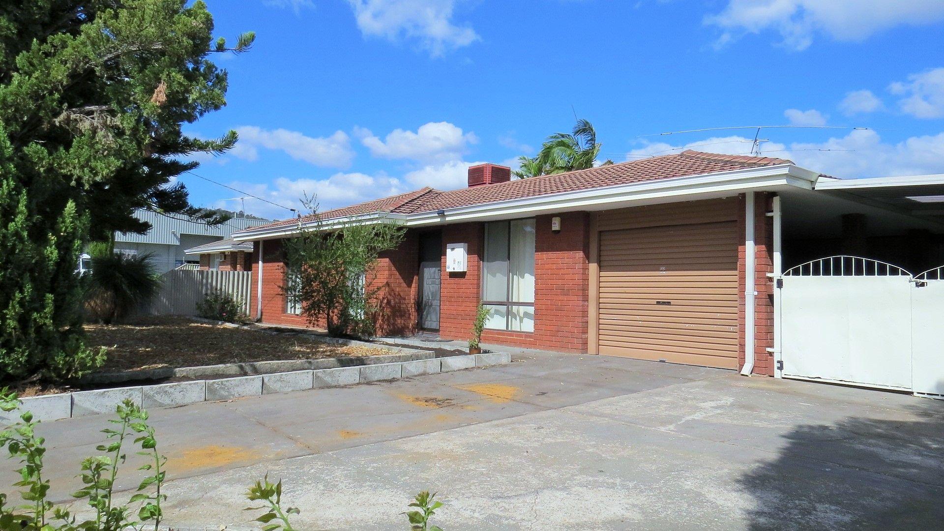 381 Holmes Road, Forrestfield WA 6058, Image 2