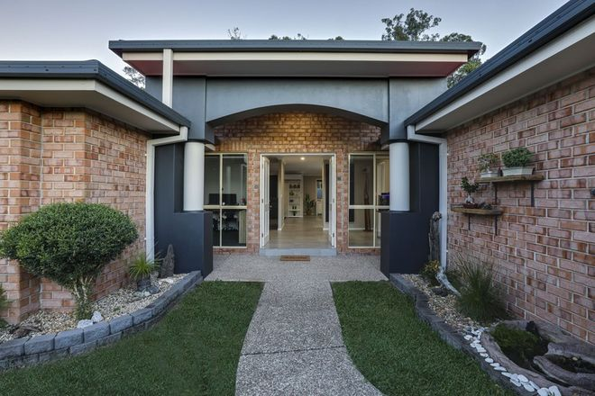 Picture of 10 Hibertia Avenue, ELANORA QLD 4221