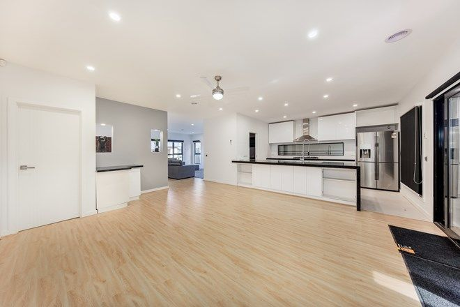 Picture of 27 Goldsworthy Avenue, FRASER RISE VIC 3336