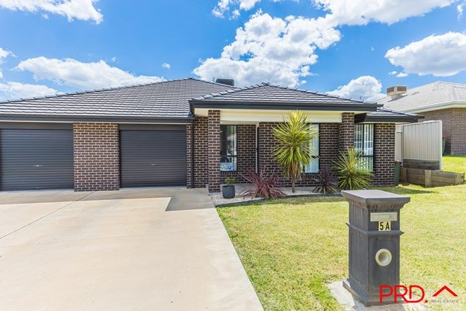 Picture of 2/5a Lake Place, TAMWORTH NSW 2340