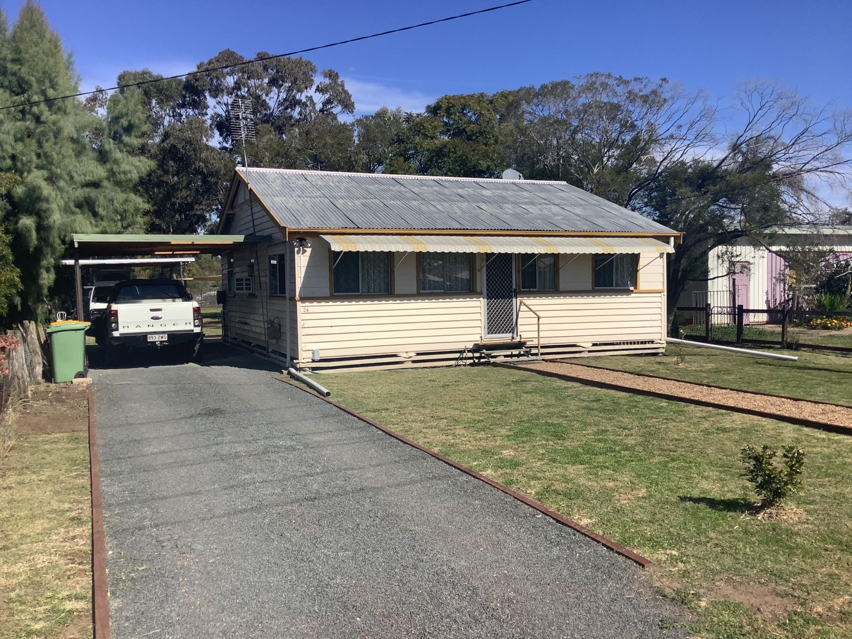 24 Etty Street, Dalby QLD 4405