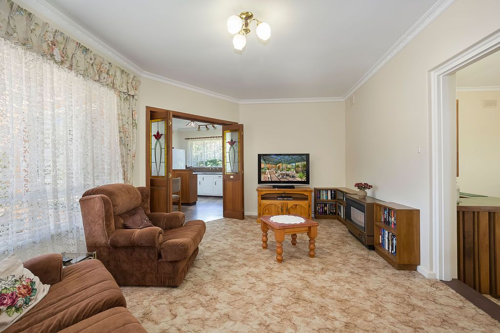 47 Marsha Drive, Banksia Park SA 5091, Image 2