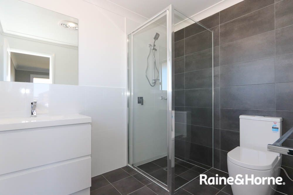 11 Newlands Crescent, Kelso NSW 2795, Image 2