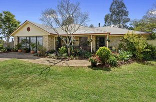 Picture of 2 Barton Court, Highfields QLD 4352
