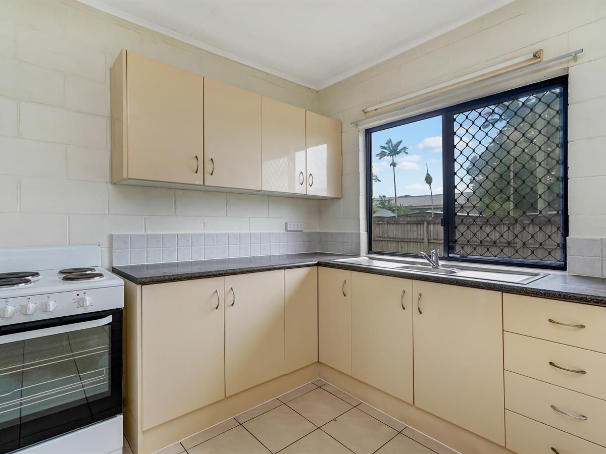 2/16 Herries Street, Earlville QLD 4870, Image 1