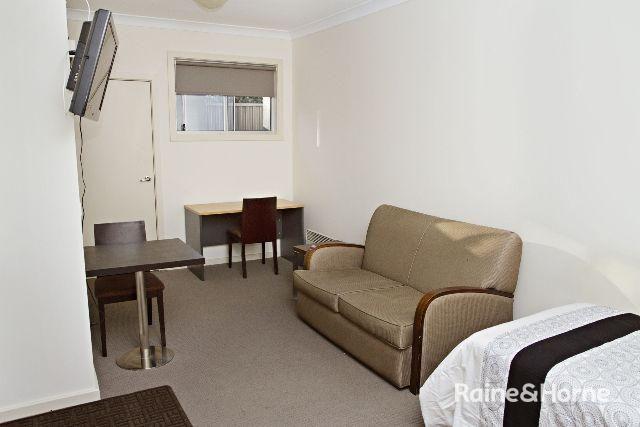 8/197a Browning Street, Bathurst NSW 2795, Image 2