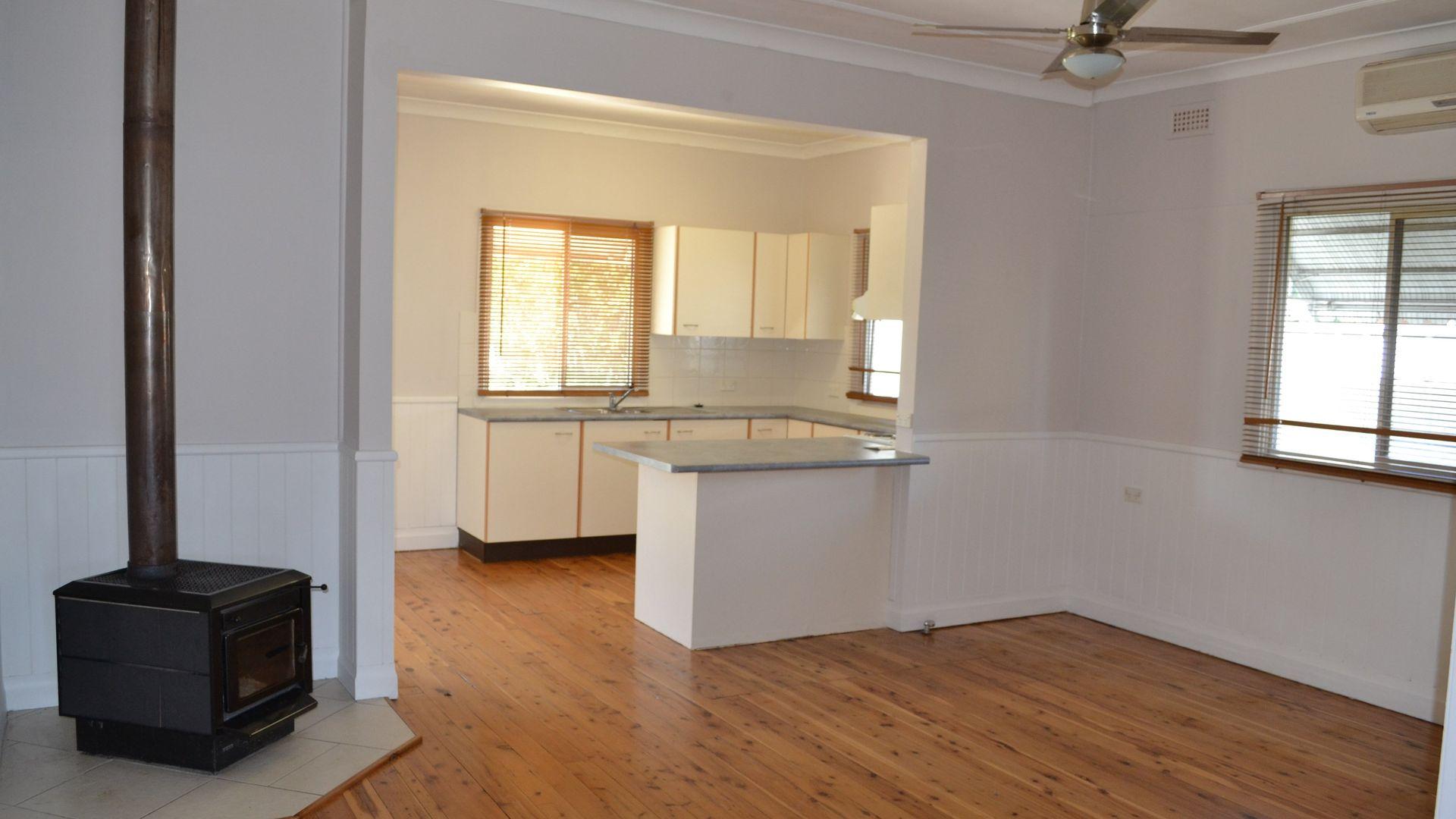 12 Avern Street, Inverell NSW 2360, Image 1