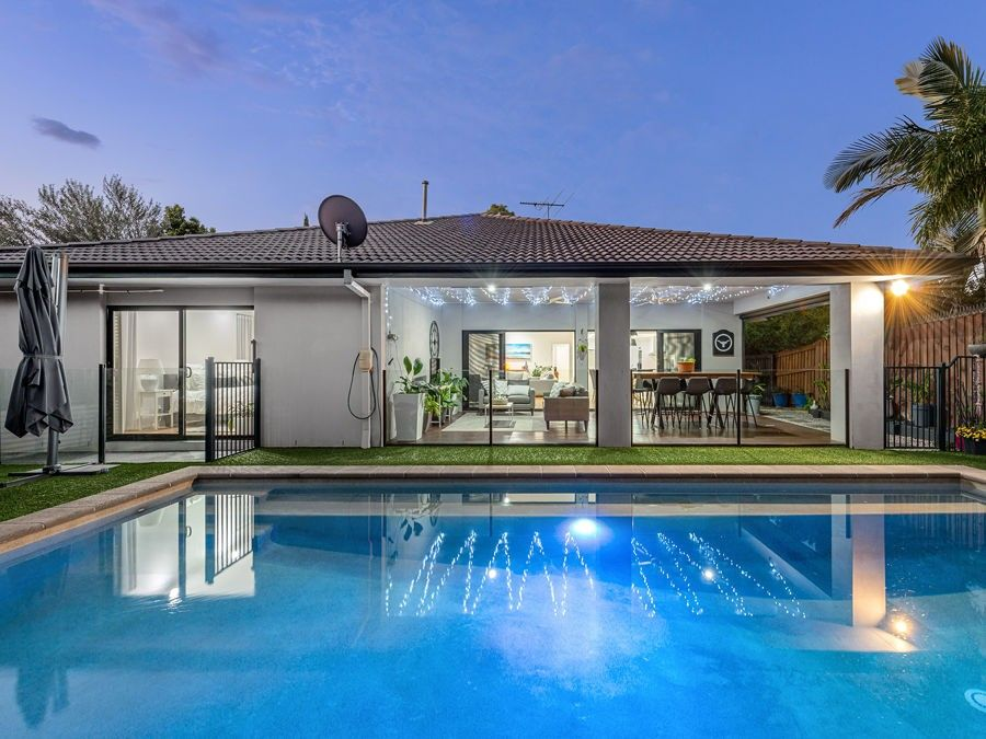 39 Izzies Place, Wakerley QLD 4154, Image 1