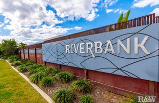 Picture of 138 Waterside Esplanade, Caboolture South QLD 4510