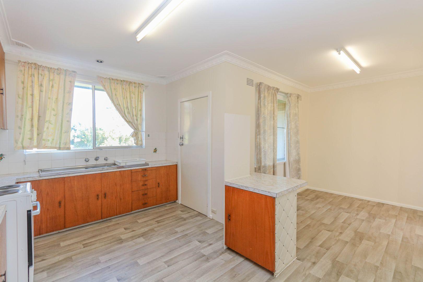 15 Edgell Street, West Bathurst NSW 2795, Image 1