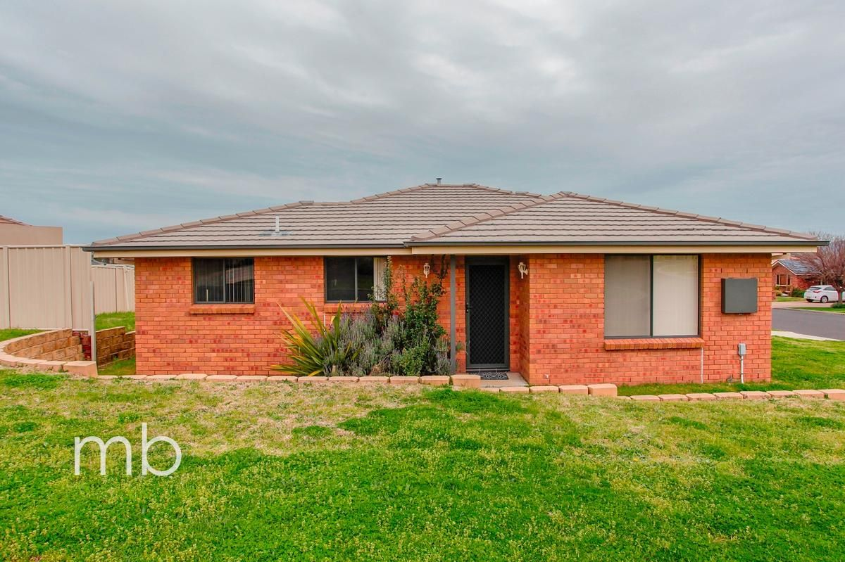7 Stewart Close, Orange NSW 2800, Image 0