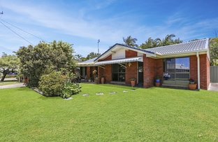 Picture of 8 Ambako Place, Golden Beach QLD 4551