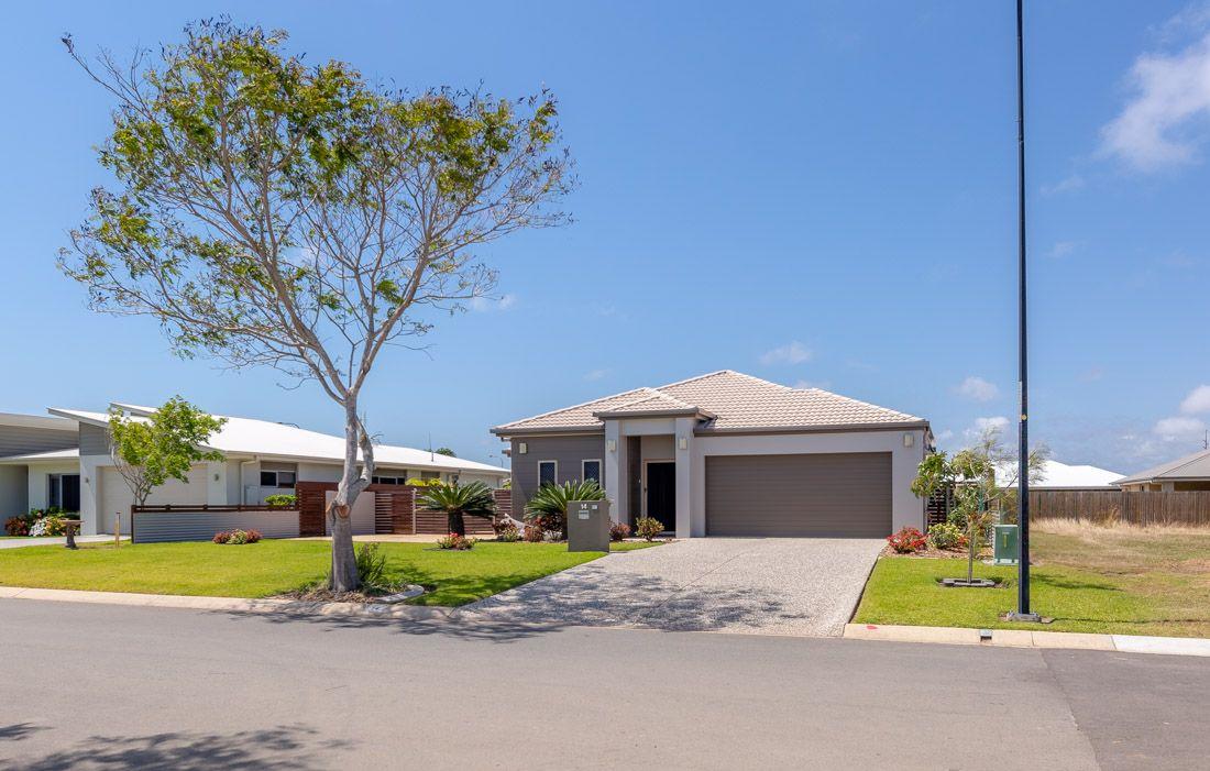 14 Oceanblue Boulevard, Pialba QLD 4655, Image 0