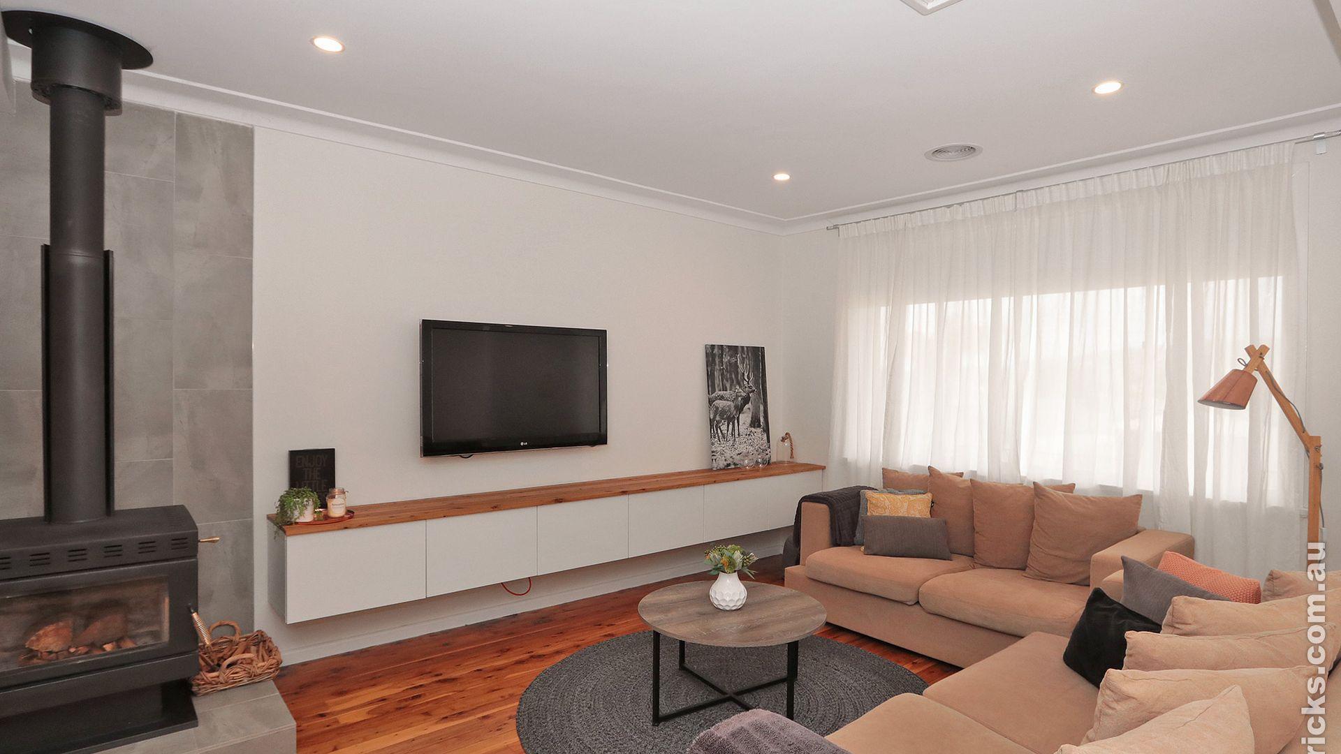 24 White Avenue, Kooringal NSW 2650, Image 2