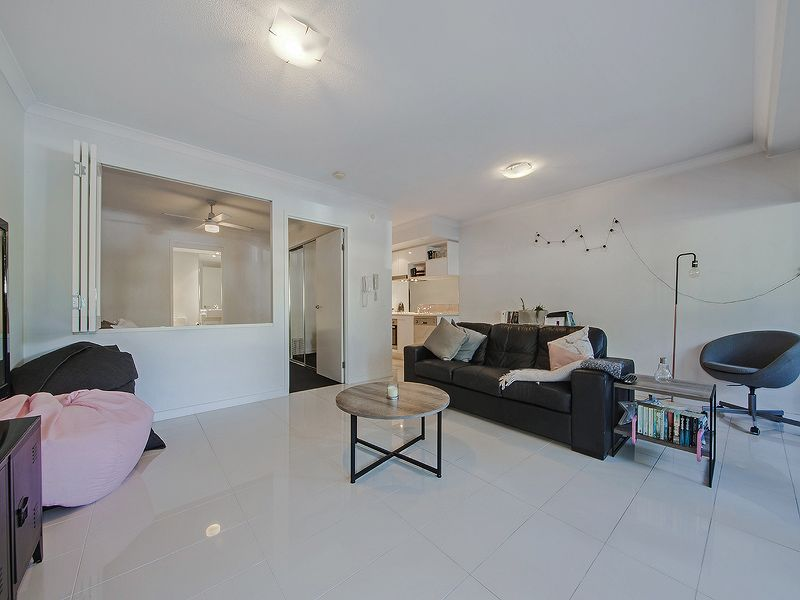 105/33-37 Madang Crescent, Runaway Bay QLD 4216, Image 2