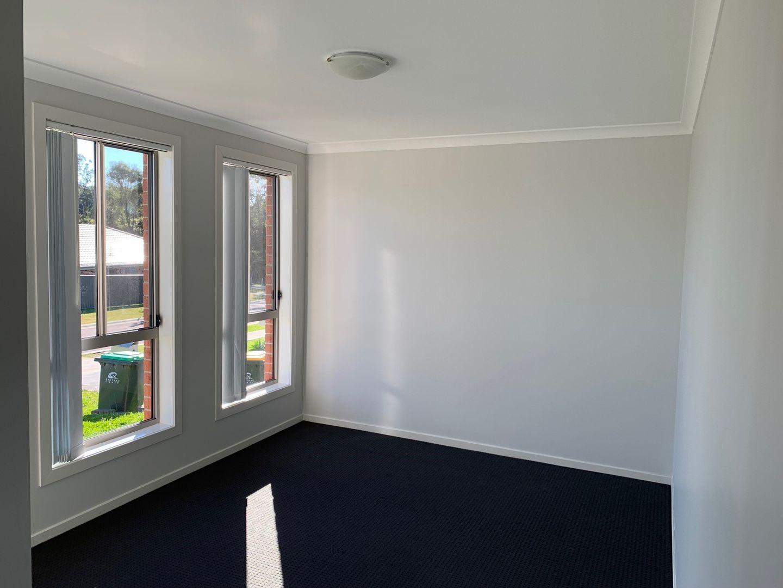 6 Frank Avenue, Wadalba NSW 2259, Image 1
