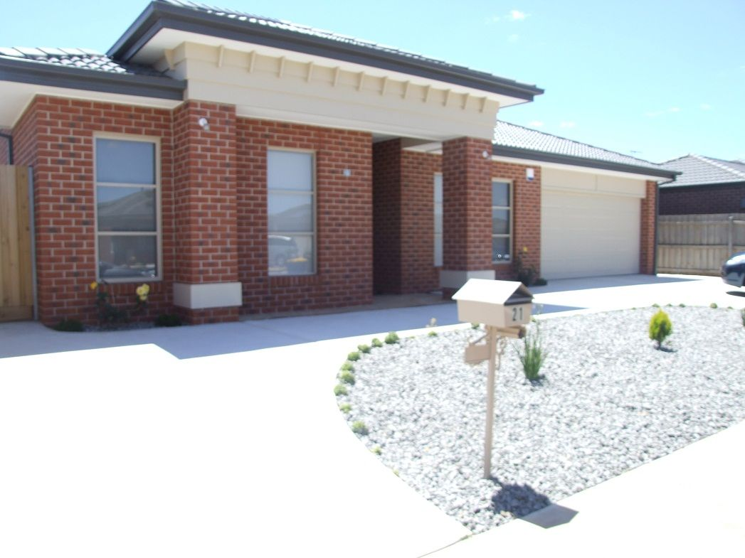 21 Equine Cct, Melton South VIC 3338, Image 1