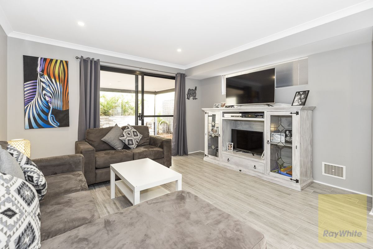 12 Hollywood Heights, Clarkson WA 6030, Image 2