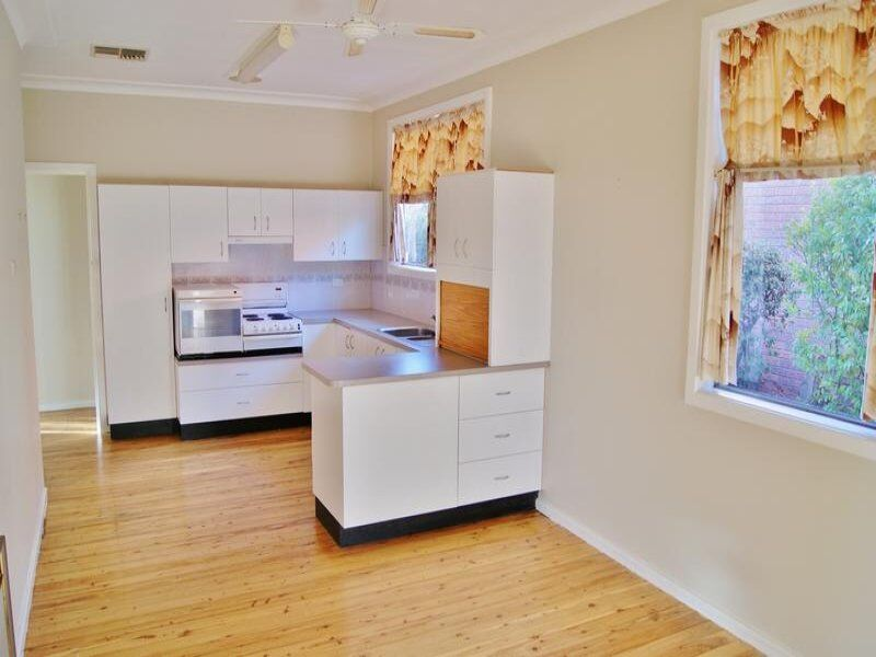 16 William Street, Young NSW 2594, Image 2