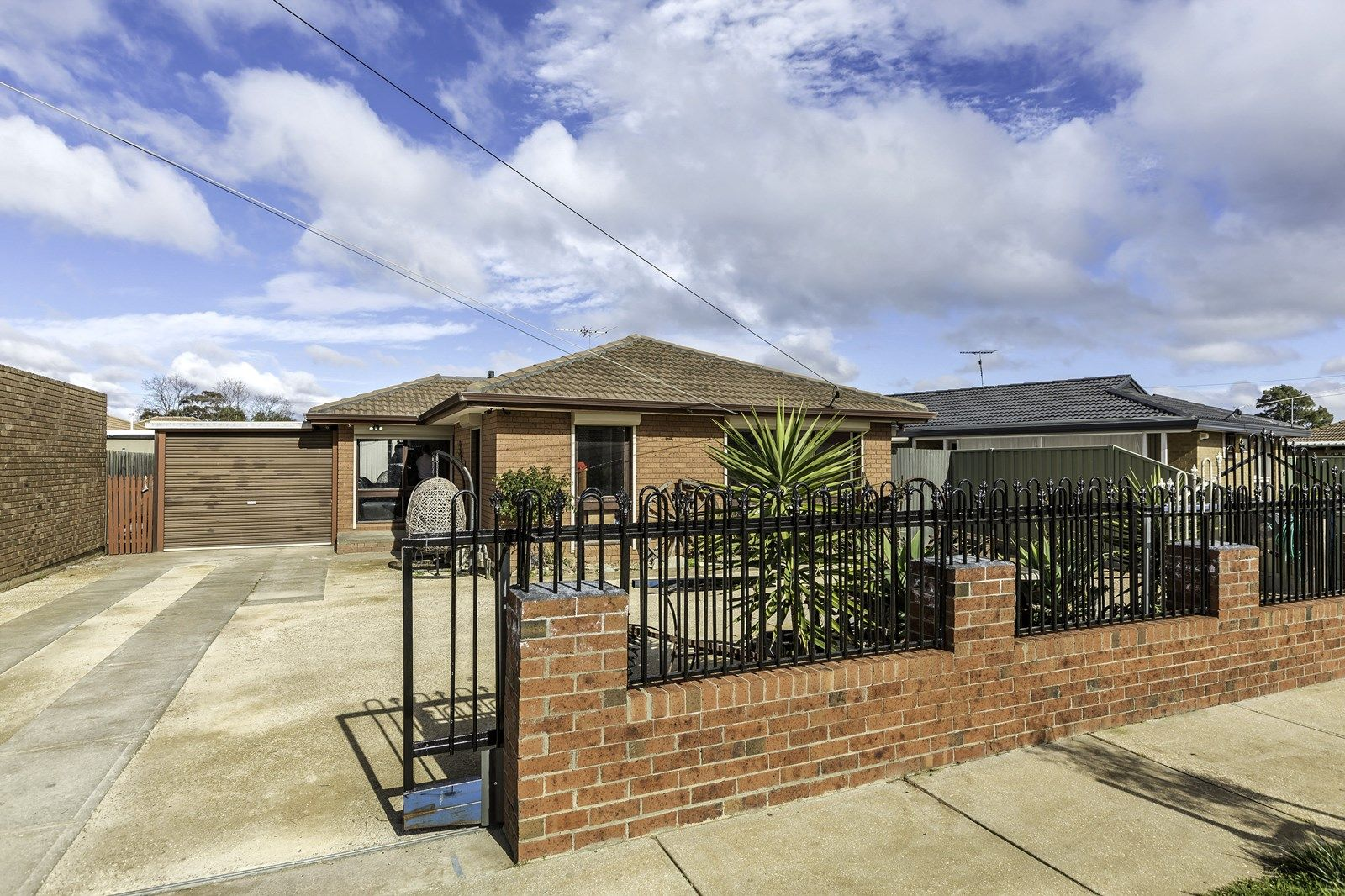 17 Acacia Crescent, Melton South VIC 3338, Image 2