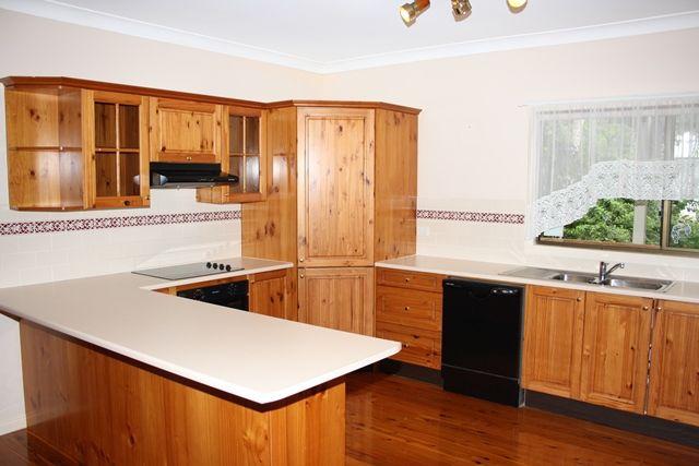 11 Howitt Street, Taringa QLD 4068, Image 2