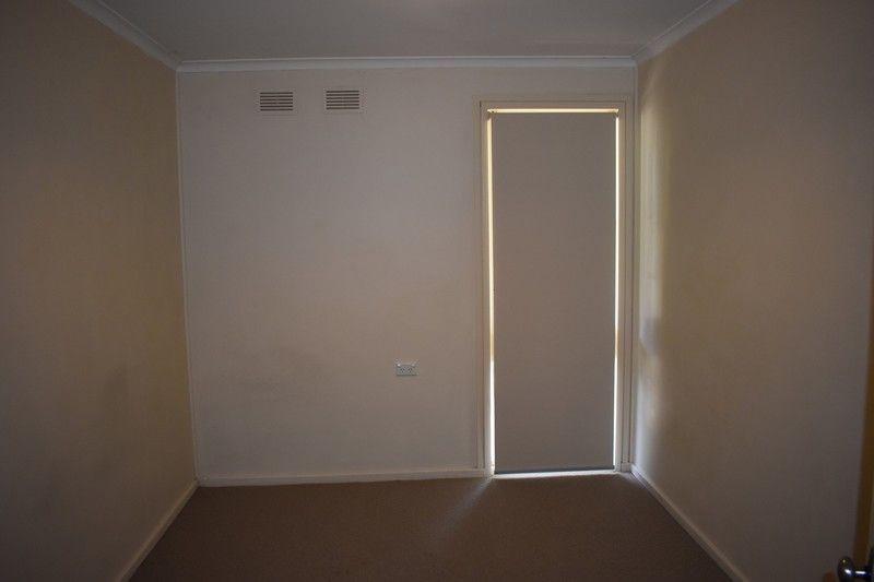 28 Menzies Avenue, Kooringal NSW 2650, Image 2