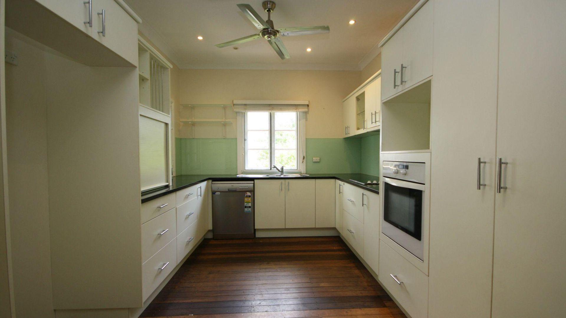 71 Sorrento Street St, Margate QLD 4019, Image 2