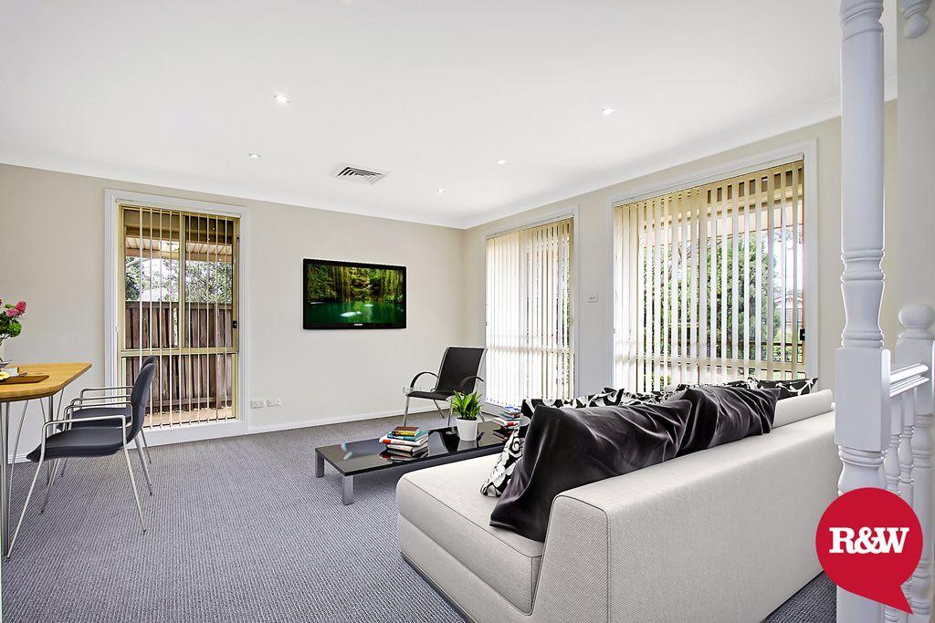 2 Shamrock Court, St Clair NSW 2759, Image 2