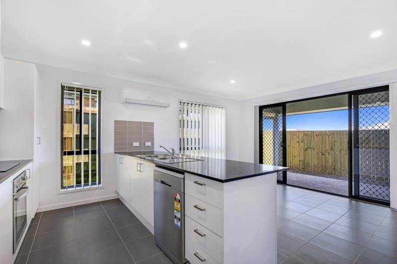3 Rosewood Cct Yarrabilba, Yarrabilba QLD 4207, Image 2