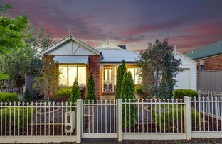 Picture of 66 Oakview Parade, Caroline Springs VIC 3023