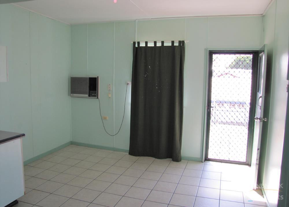 3/109 Edward Street, Ayr QLD 4807, Image 2