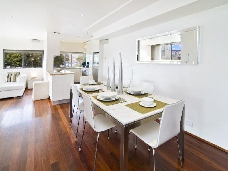 2/14 Blues Point Road, Mcmahons Point NSW 2060, Image 2