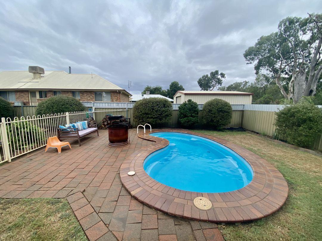 4 CALLAILLE AVENUE, Moree NSW 2400, Image 1