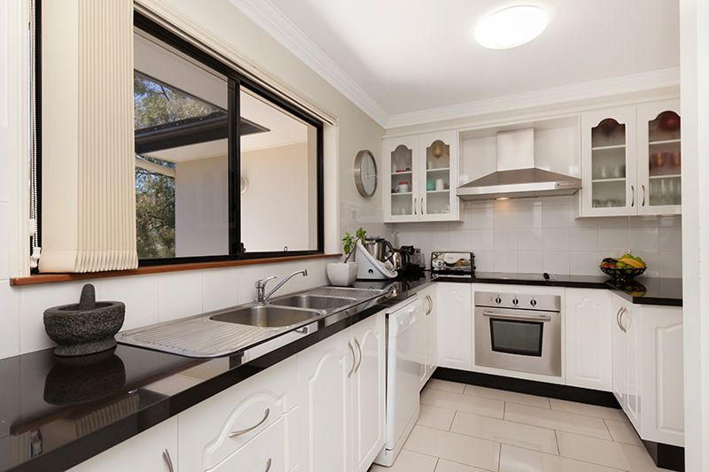 27 GIORDANO PLACE, Belmont QLD 4153, Image 2