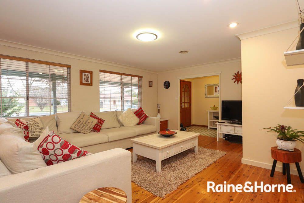 85 Taylor Street, Eglinton NSW 2795, Image 2