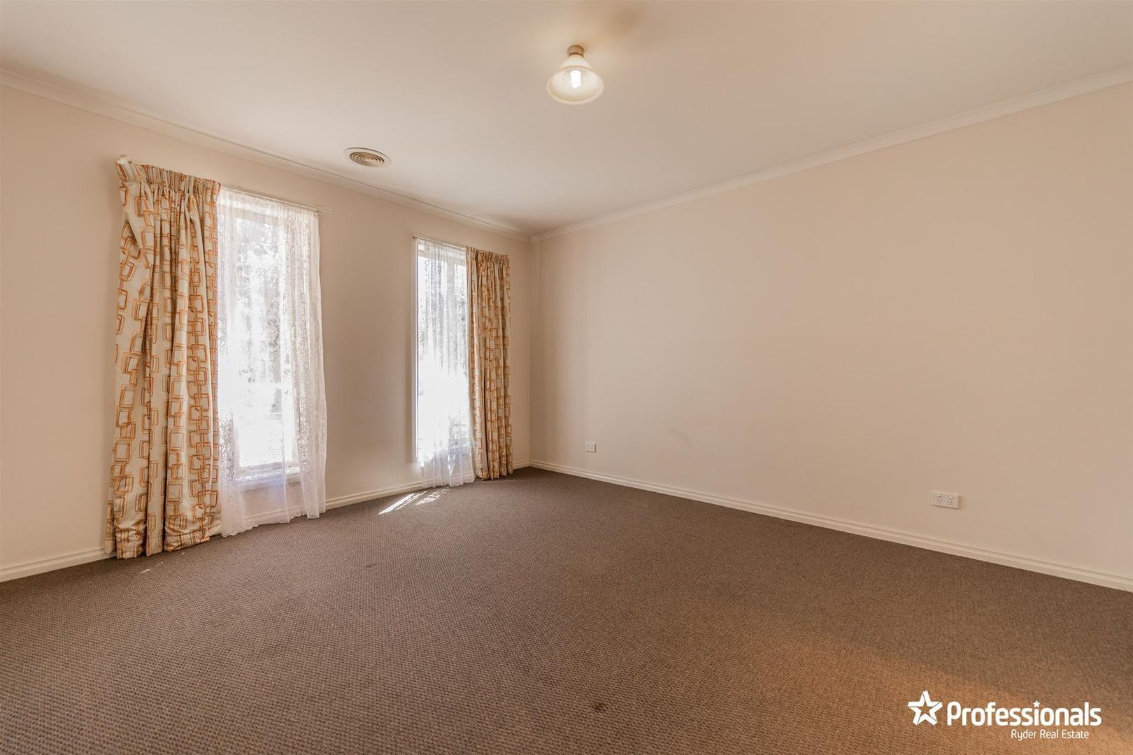 18 Sirius Way, Kurunjang VIC 3337, Image 1