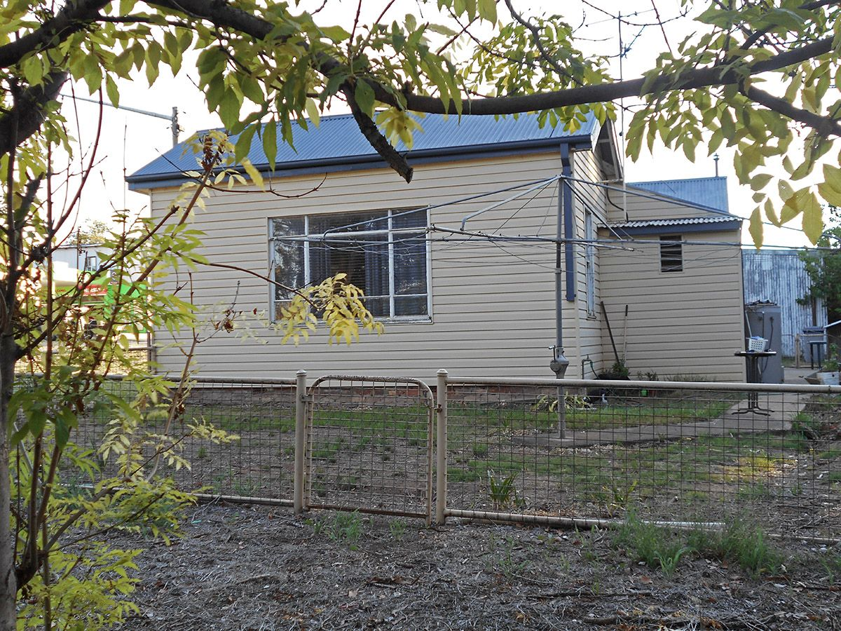 11 Mount Street, Gundagai NSW 2722, Image 0
