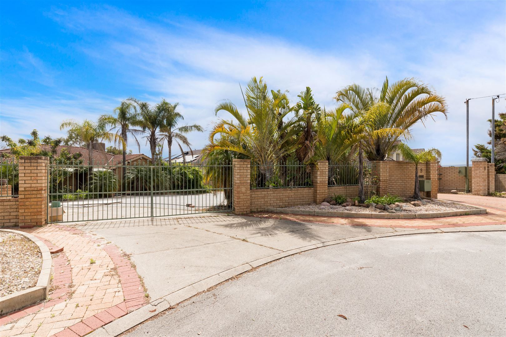 9 Rangeview Place, Canning Vale WA 6155, Image 2