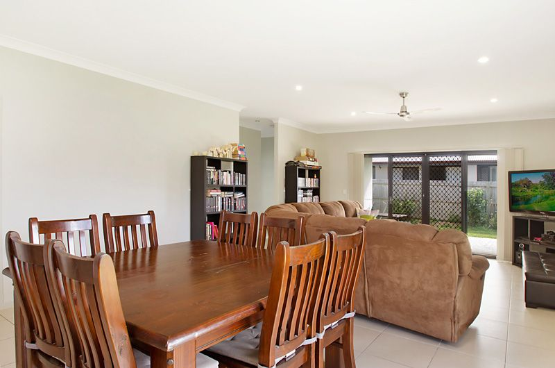 17 Silvereye Street, Sippy Downs QLD 4556, Image 2