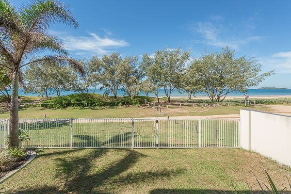 4/18 Marina Beach Pde, MacKay Harbour QLD 4740, Image 2