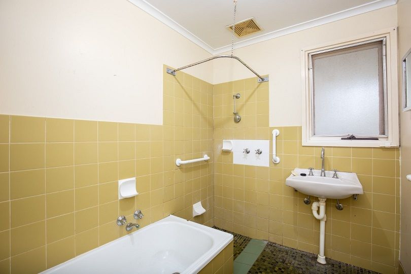 42 & 44 Lachlan Crescent, Mount Gambier SA 5290, Image 2