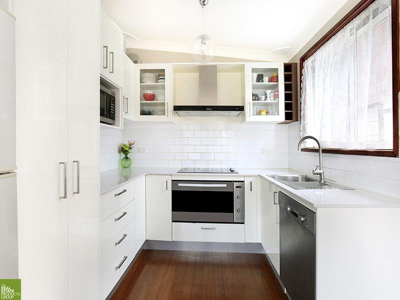 13 Stanley Avenue, Farmborough Heights NSW 2526, Image 2