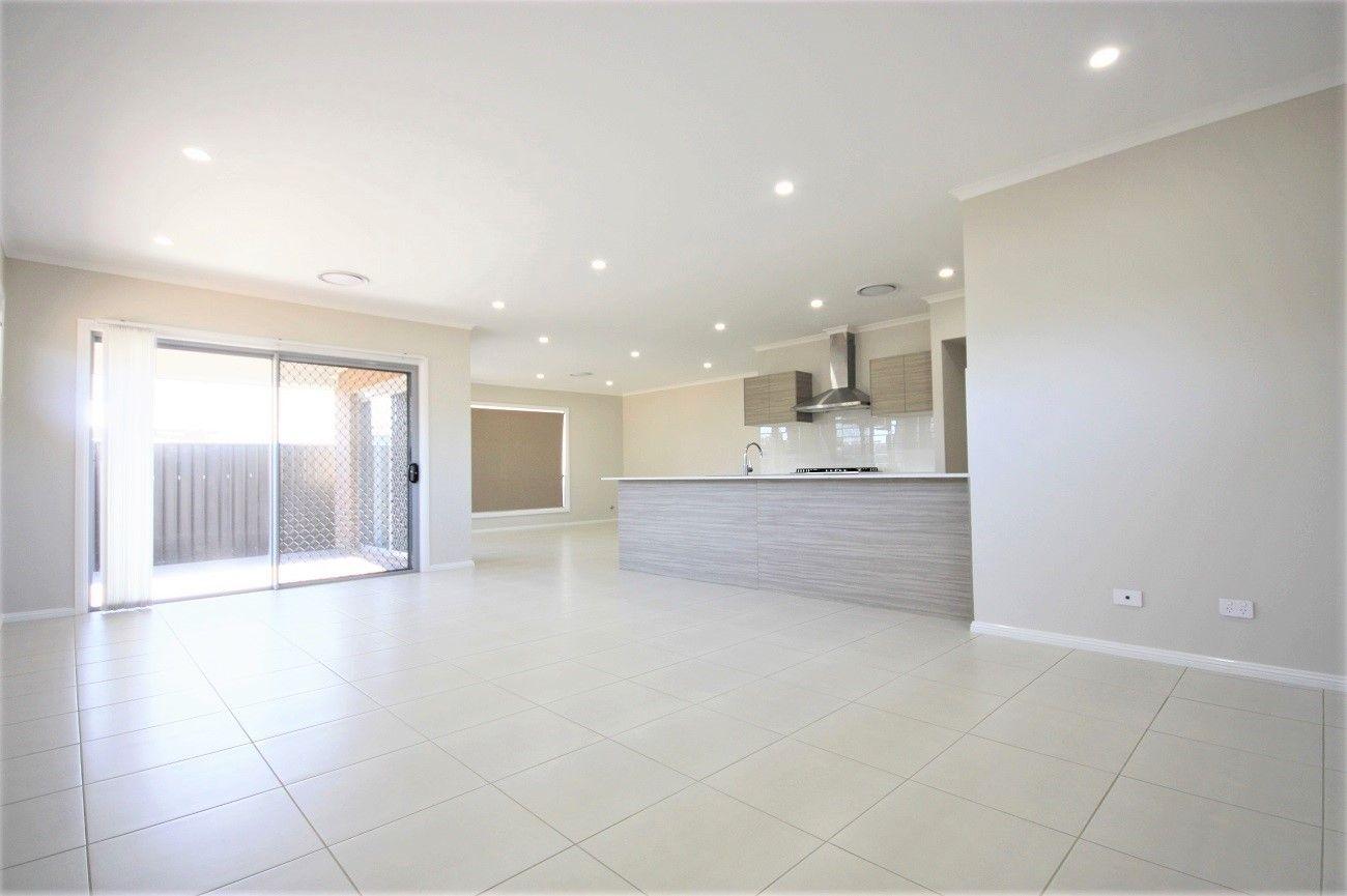 8 Gale Street, Oran Park NSW 2570, Image 1
