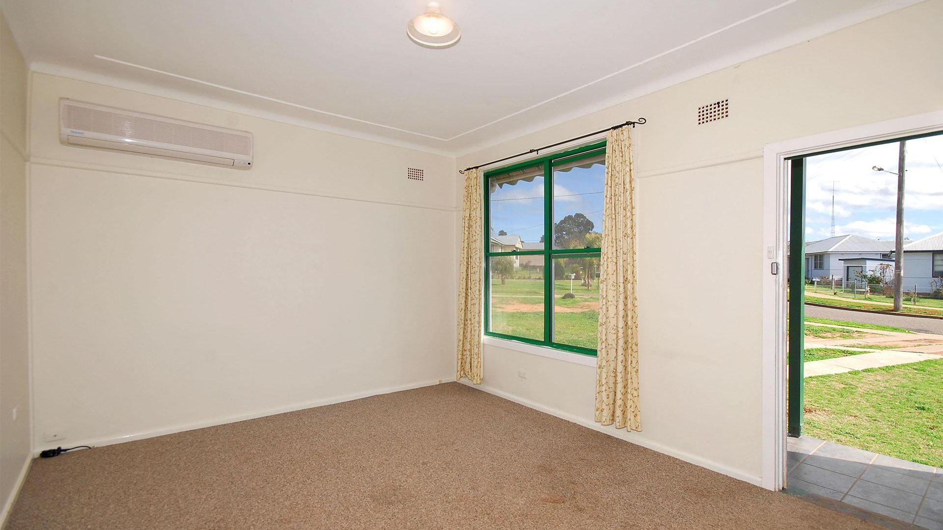 23 Thompson Crescent, Tamworth NSW 2340, Image 1