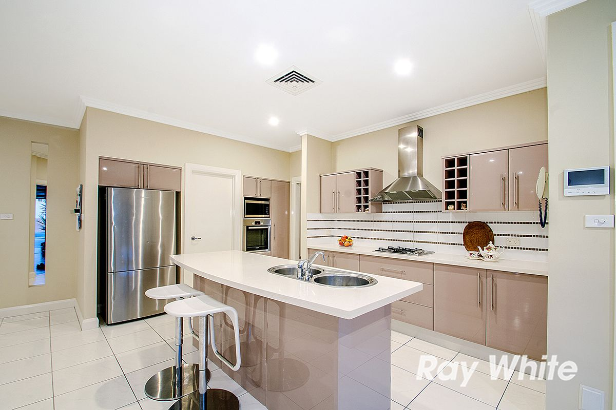 7 Chepstow Drive, Castle Hill NSW 2154, Image 2