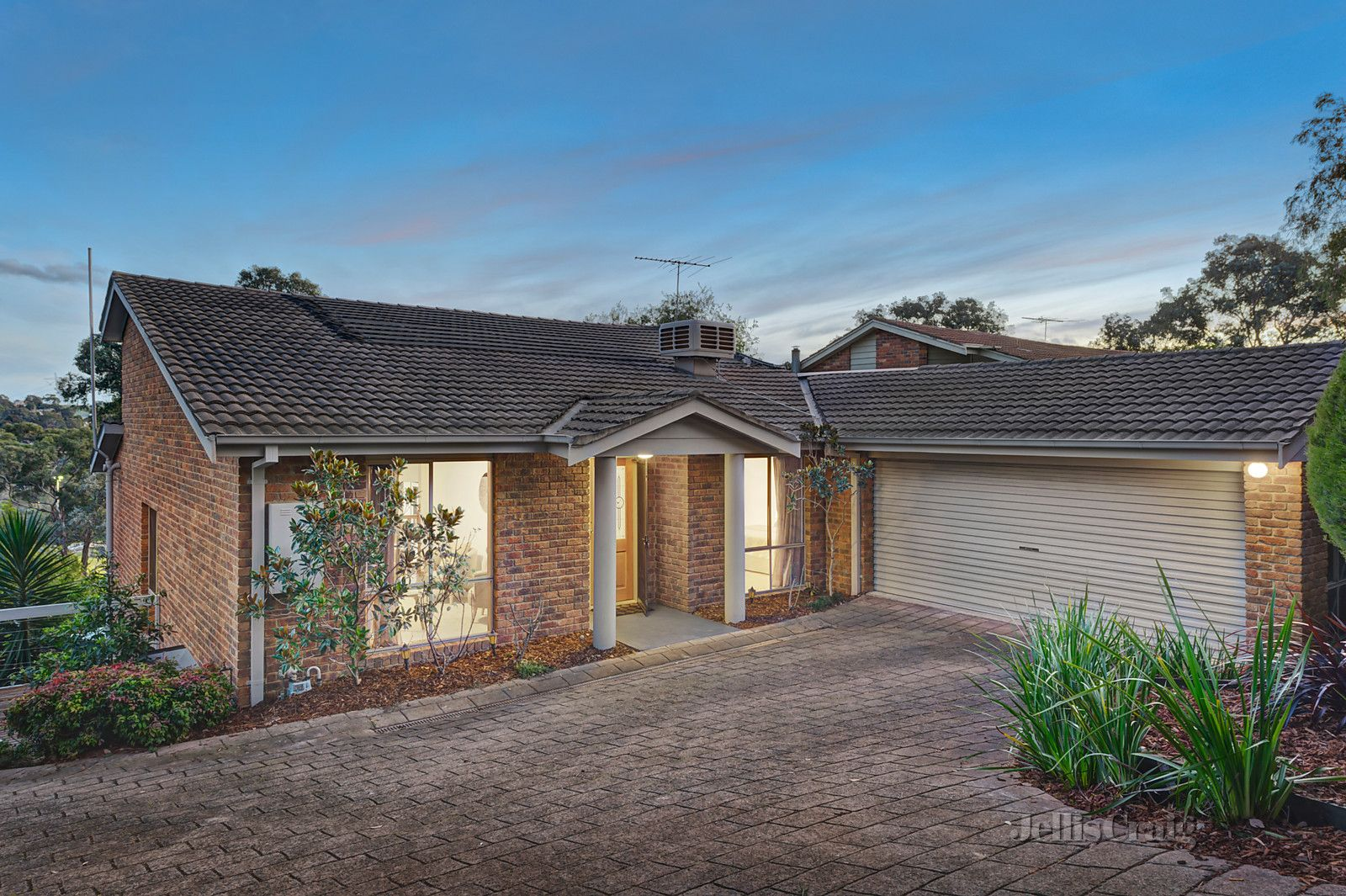 33 Maroong Drive, Research VIC 3095, Image 1