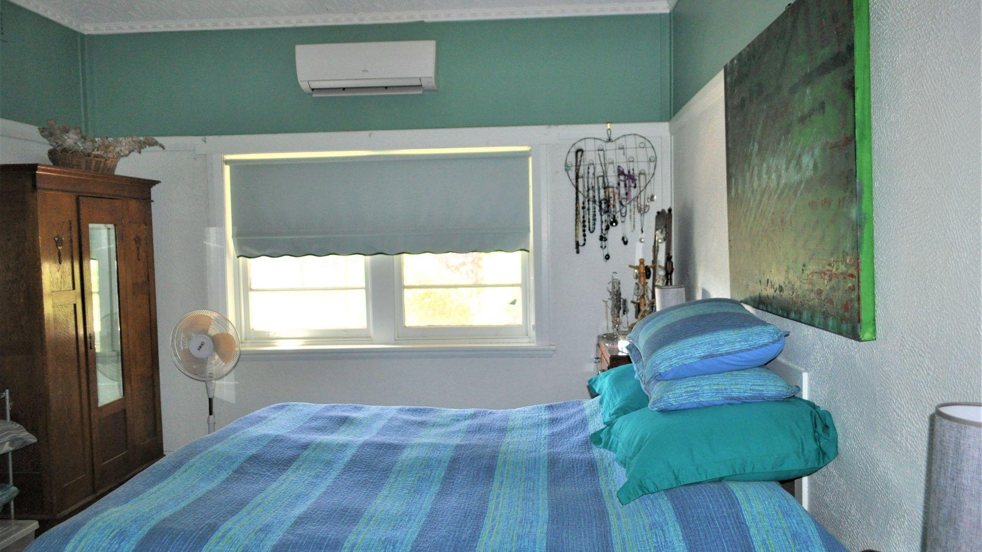 2 McKenna Avenue, Cootamundra NSW 2590, Image 2
