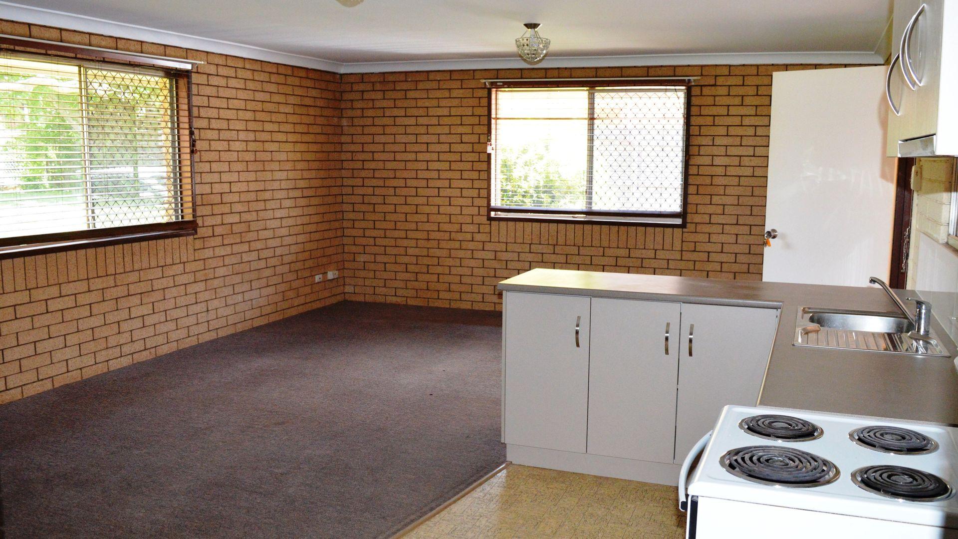 2/353 West Street, Kearneys Spring QLD 4350, Image 1