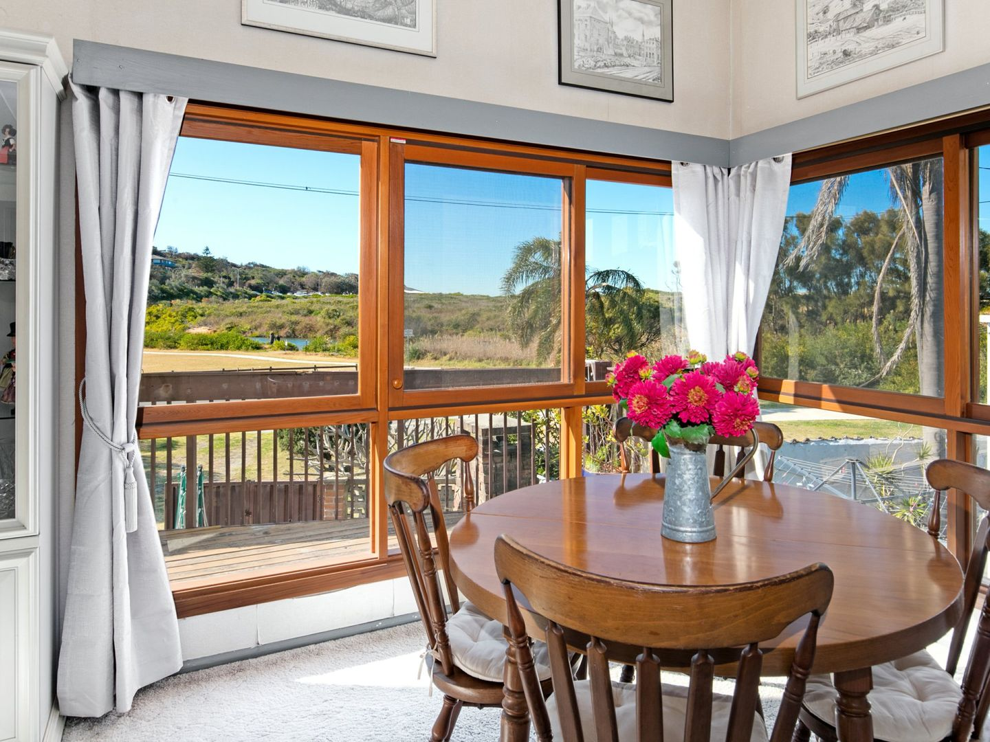 50 Surf Road, North Curl Curl NSW 2099, Image 2