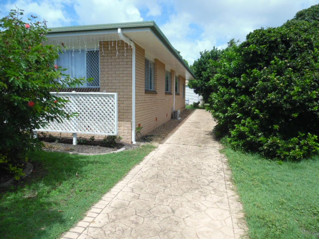 74 Dayman Street, Urangan QLD 4655, Image 2